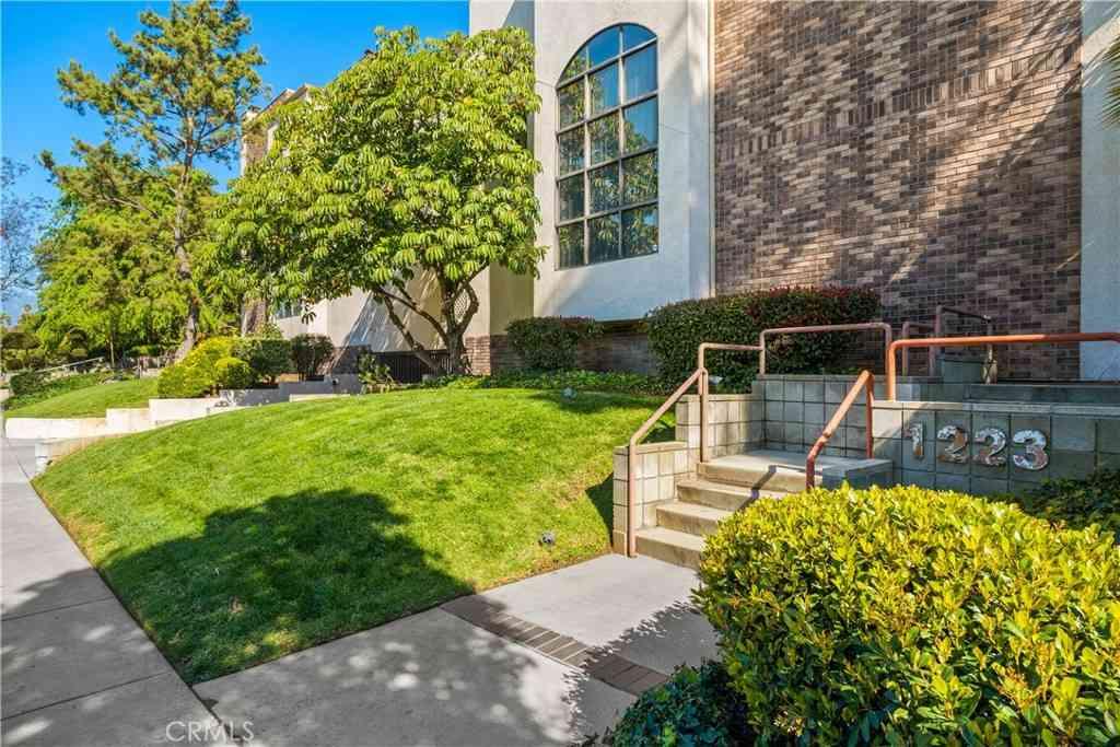 1223 Huntington Drive #B, South Pasadena, CA, 91030,