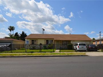 8757 Hazeltine Avenue, Panorama City, CA, 91402,