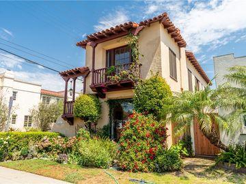 132 Quincy Avenue, Long Beach, CA, 90803,