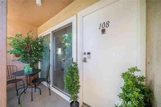 10757 Hortense Street #108, Toluca Lake, CA, 91602,