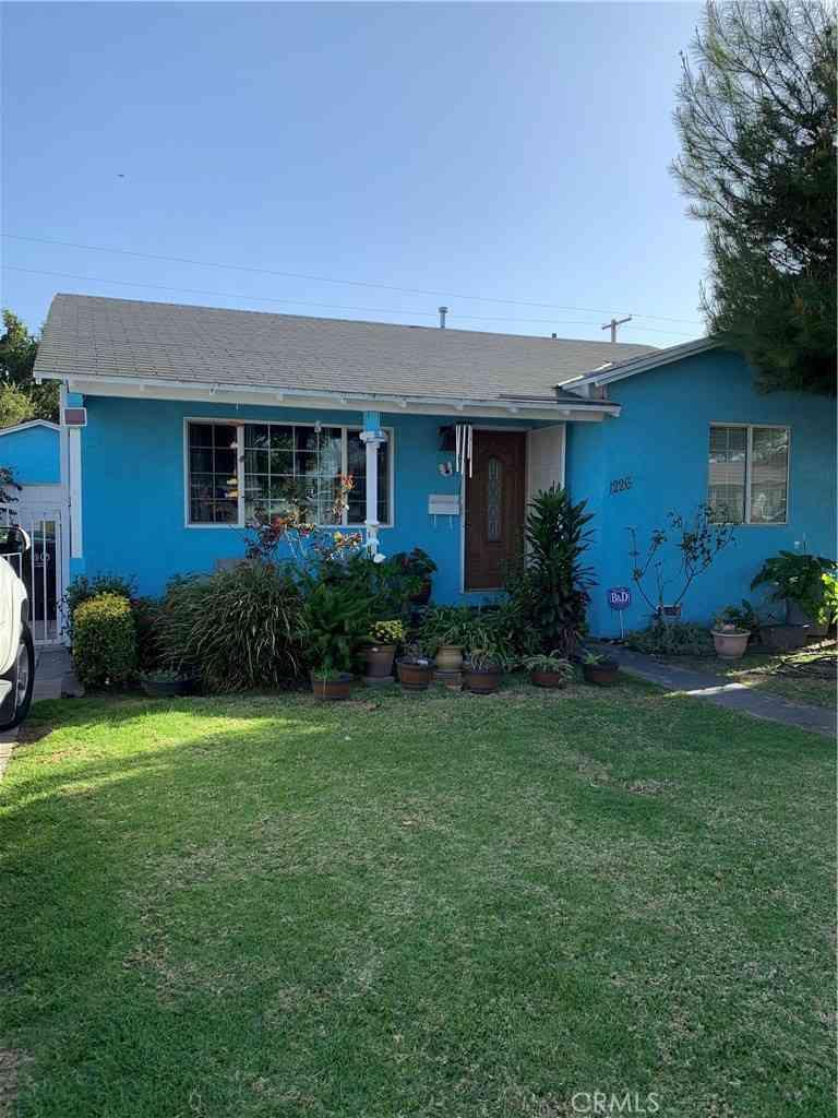 1226 W 134th Street, Compton, CA, 90222,