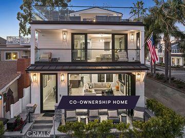 121 Emerald Avenue, Newport Beach, CA, 92662,