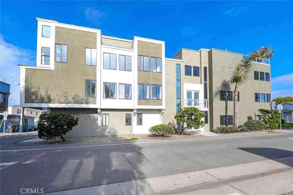 16995 8th Street, Sunset Beach, CA, 90742,