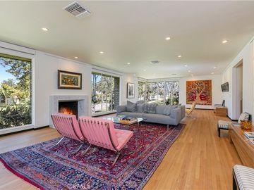 660 S Orange Grove Boulevard #B, Pasadena, CA, 91105,