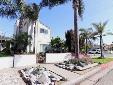 604 17th Street, Huntington Beach, CA, 92648,