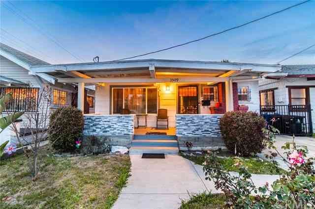 3509 Raymond Avenue, Los Angeles, CA, 90007,