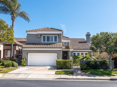 19056 Stonehurst Lane, Huntington Beach, CA, 92648,