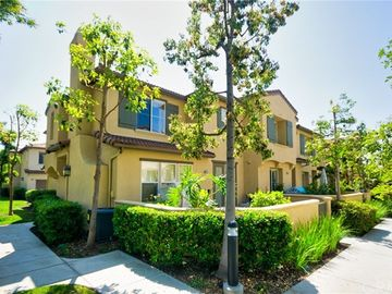 115 Sapphire #30, Irvine, CA, 92602,