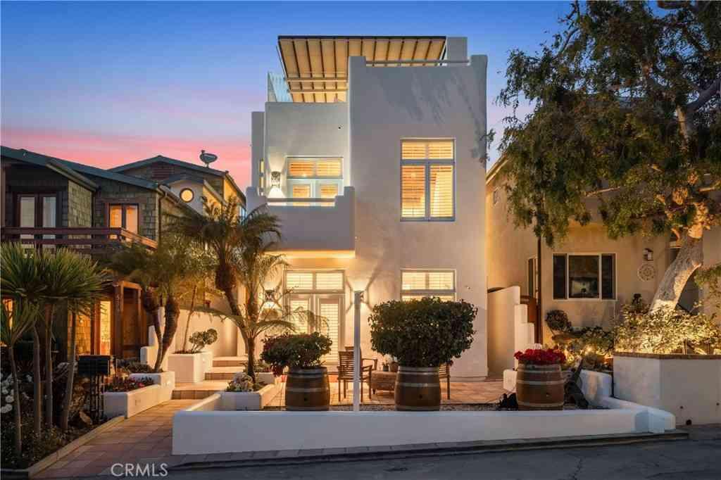 541 4th Street, Manhattan Beach, CA, 90266,