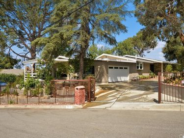 11011 Allegheny Street, Sun Valley, CA, 91352,