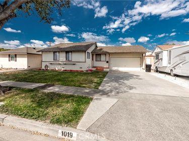 1019 South Adams Avenue, Fullerton, CA, 92832,
