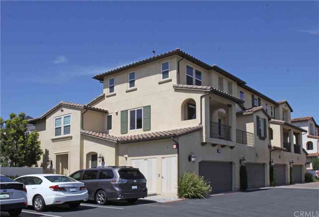 17555 Reflections Ct, Fountain Valley, CA, 92708,