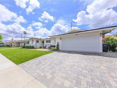 2316 E Parkside Avenue, Orange, CA, 92867,
