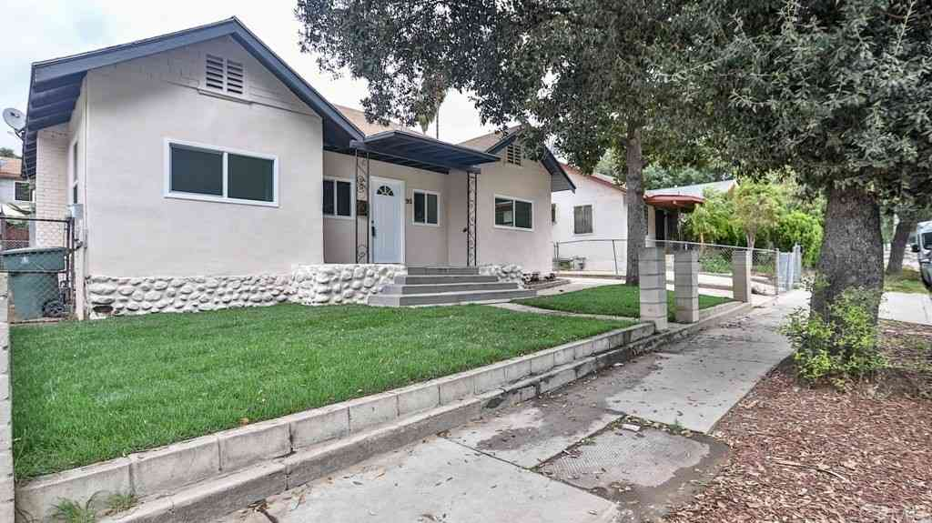 93 W Washington Boulevard, Pasadena, CA, 91103,