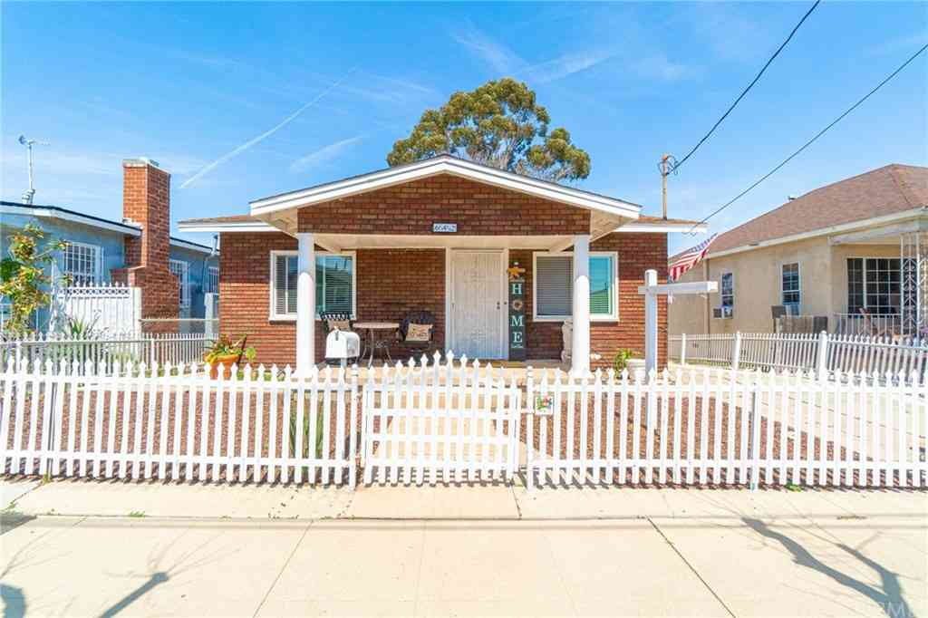 642 W Oliver Street, San Pedro, CA, 90731,