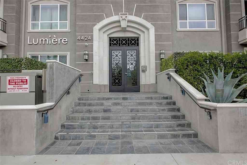 4424 Whitsett Avenue #203, Studio City, CA, 91604,