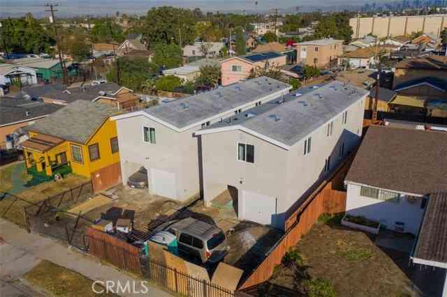 1667 E 84th ST, Los Angeles, CA, 90001,