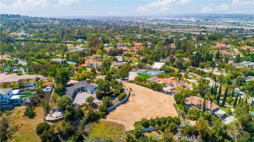 779 S Peralta Hills Drive, Anaheim Hills, CA, 92807,