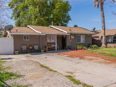 18867 10th, Bloomington, CA, 92316,