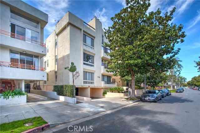 1745 South Bentley Avenue #4, Los Angeles, CA, 90025,