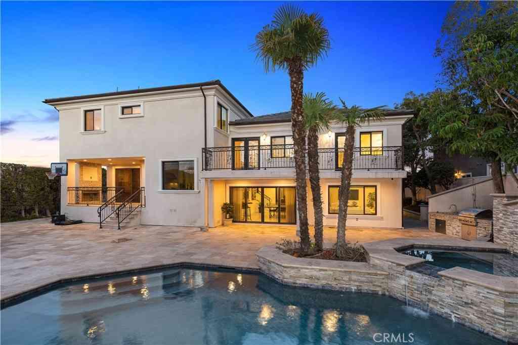 2818 N Kingsgate Drive, Orange, CA, 92867,