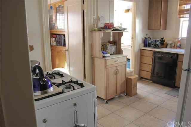 Kitchen, 1043 S Victoria Avenue, Los Angeles, CA, 90019,