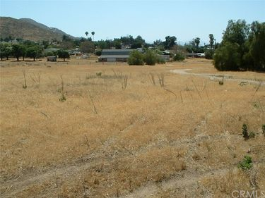 1 White Avenue, Homeland, CA, 92545,