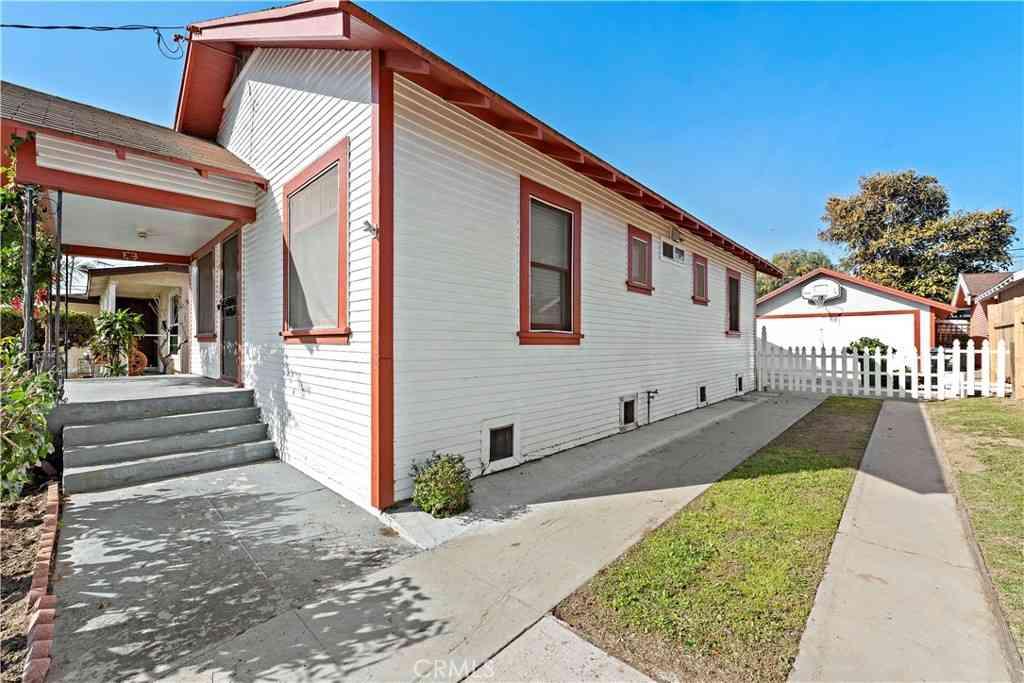 1721 Broad Avenue, Wilmington, CA, 90744,