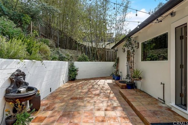 11900 Sunshine Terrace