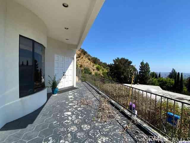 2084 Mount Olympus Drive, Los Angeles, CA, 90046,