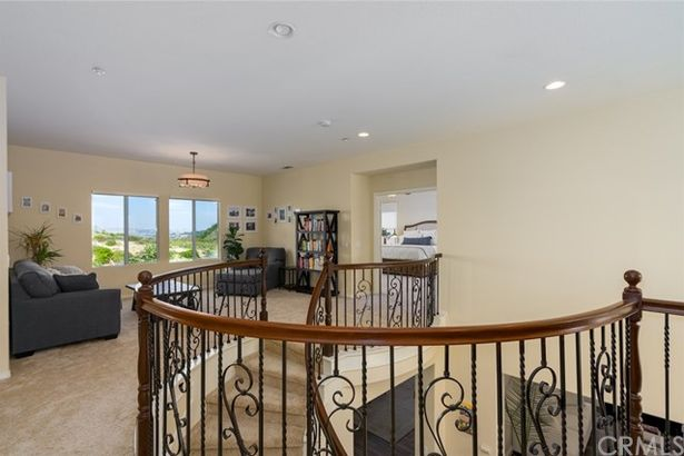 2523 North Skytop Court
