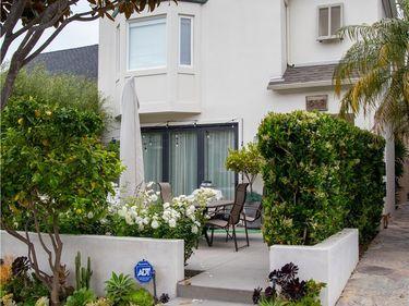 617 Orchid Avenue #2, Corona Del Mar, CA, 92625,