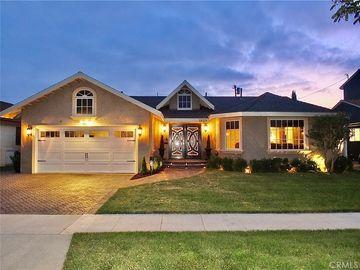 1825 Mcnab Avenue, Long Beach, CA, 90815,