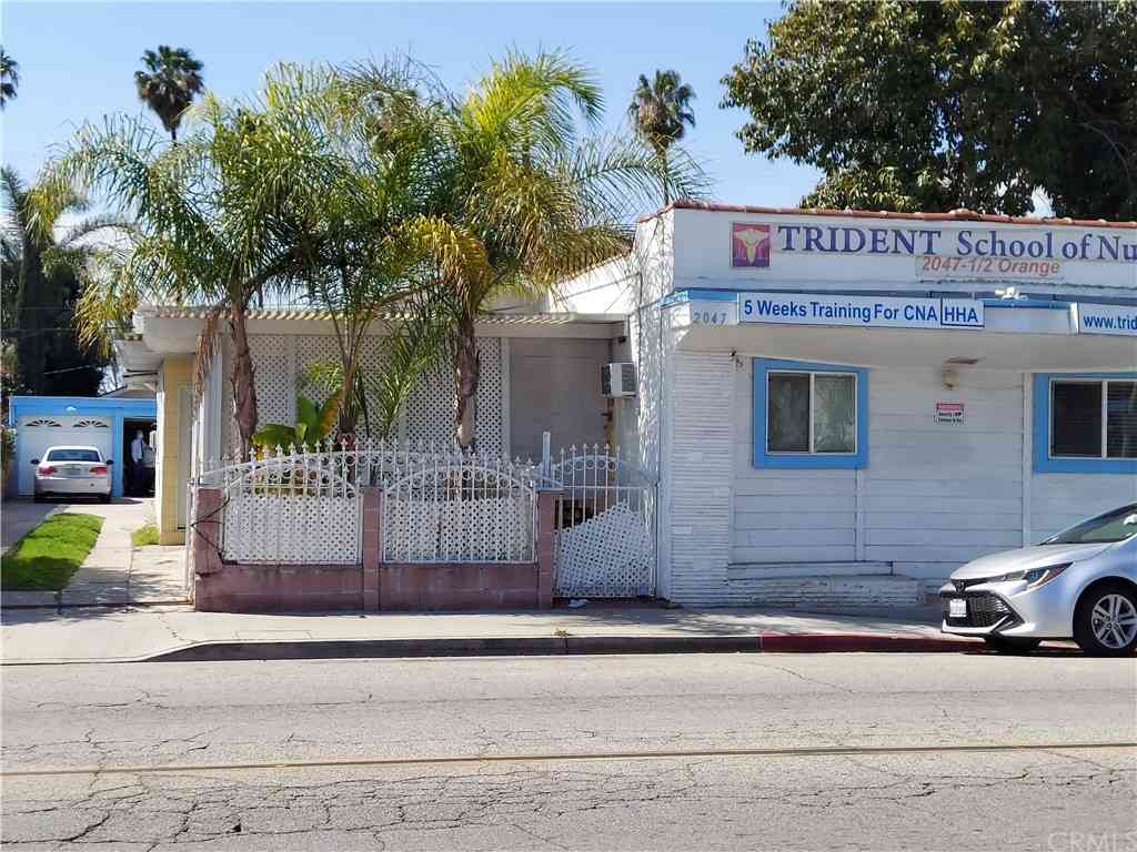 2047 Orange Avenue, Long Beach, CA, 90806,
