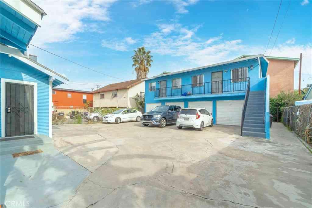 1064 Hoffman Avenue, Long Beach, CA, 90813,