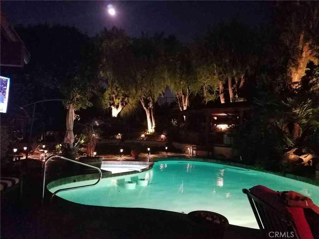 221 S Peralta Hills Drive, Anaheim Hills, CA, 92807,