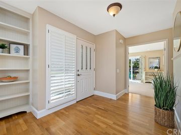 5155 Thorn Tree Lane, Irvine, CA, 92612,