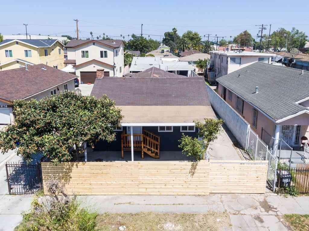 8722 Orchard Avenue, Los Angeles, CA, 90044,