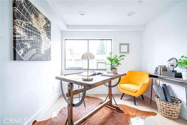 598 W Buntzman Way, Los Angeles, CA, 90065,