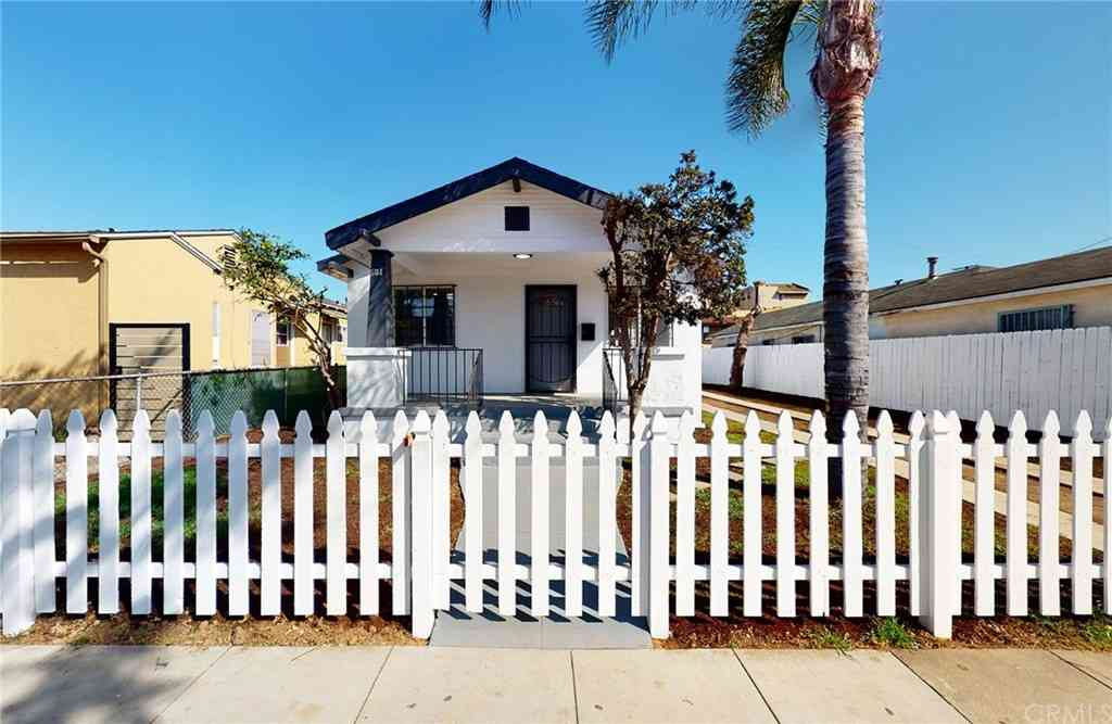 1744 Chestnut Avenue, Long Beach, CA, 90813,