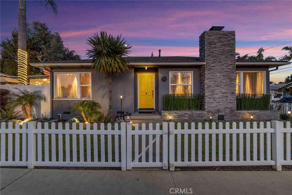 1102 Bennett Avenue, Long Beach, CA, 90804,