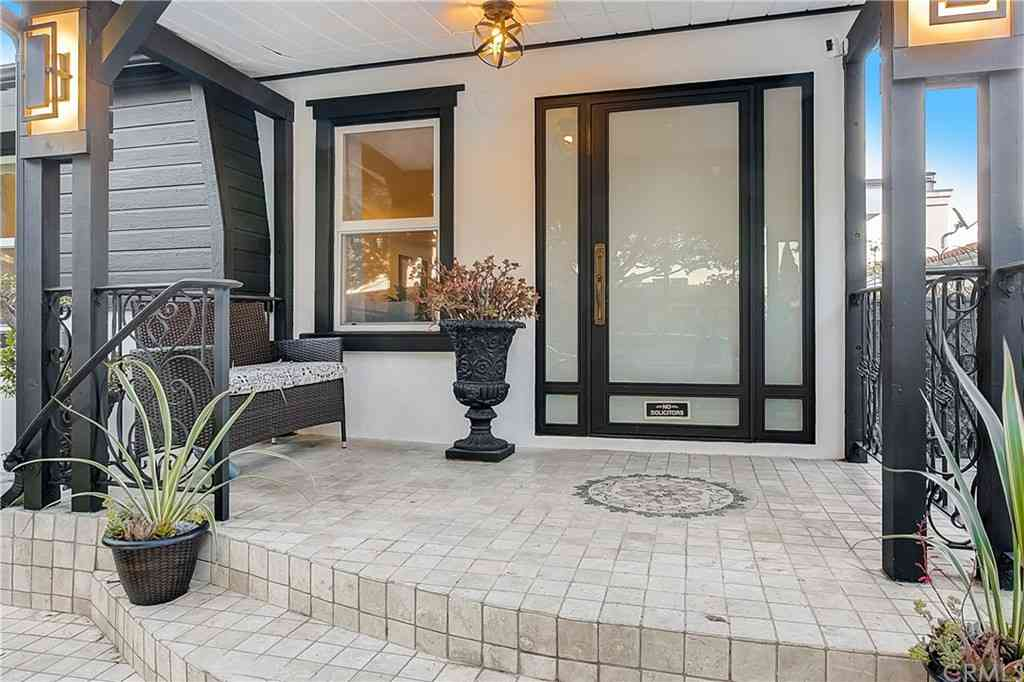 1051 Princeton Street, Santa Monica, CA, 90403,