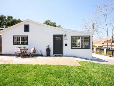 10861 Scoville Avenue, Sunland, CA, 91040,
