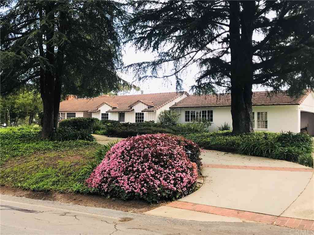 2 Flying Mane Road, Rolling Hills, CA, 90274,