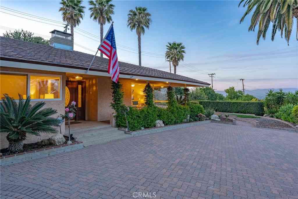 1 Cayuse Lane, Rancho Palos Verdes, CA, 90275,