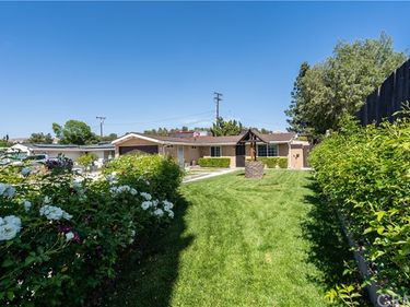 27206 Rockgrove Avenue, Canyon Country, CA, 91351,