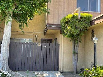 7301 Lennox Avenue #D06, Van Nuys, CA, 91405,