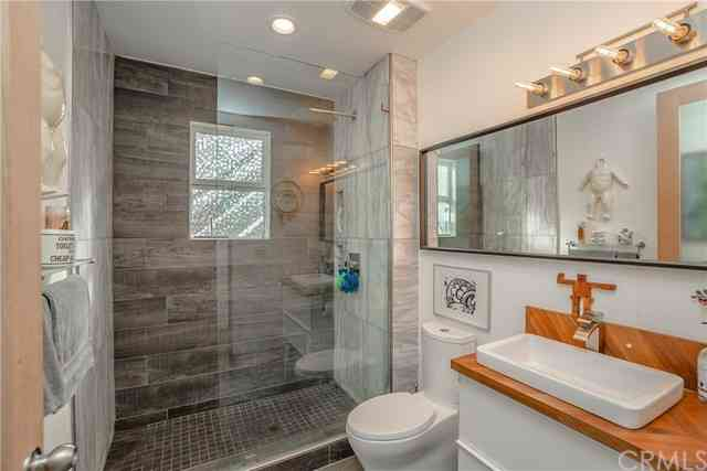 Bathroom, 200 Columbia Place, Los Angeles, CA, 90026,