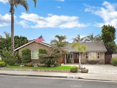 17412 Whetmore Lane, Huntington Beach, CA, 92647,