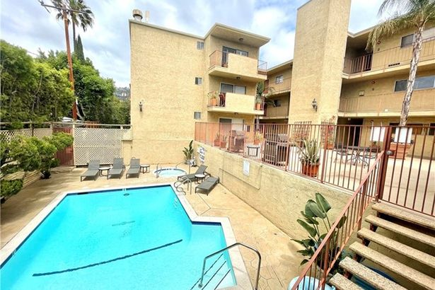 837 North West Knoll Drive #119